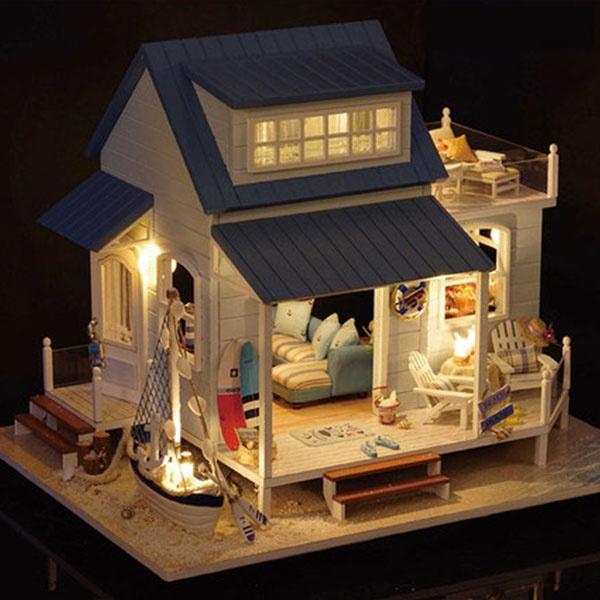DIY Caribbean Wooden Beach Dollhouses from Apollo Box